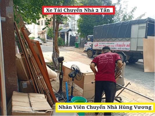 Nhan-vien-chuyen-nha-hung-vuong.png